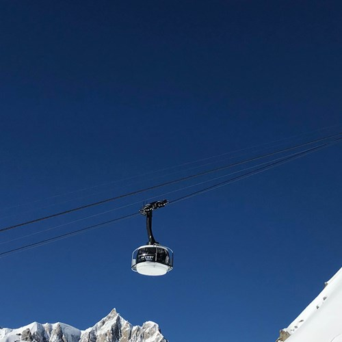 Skyway-Monte-Bianco-Courmayeur-Italy-Flexiski.jpg