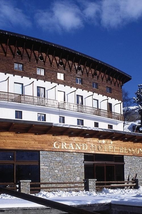 Grand-Hotel-Besson-Sauze-Doulx-exterior