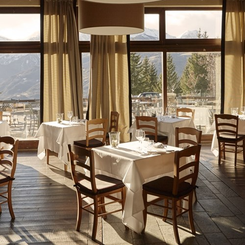 Grand-Hotel-Besson-Sauze-Doulx-restaurant-with-view