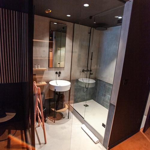 Folie-Douce-Hotel-Chamonix-PREMIUM BATHROOM.jpeg