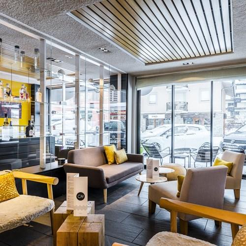 comptoir-nordique-bar-salon-de-thyoan-le-morgane-chamonix.jpg