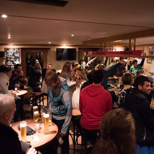 Apres party at Bar des Guides in Hotel Suisse in Champery