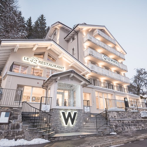 exterior in snow of Le White Champery