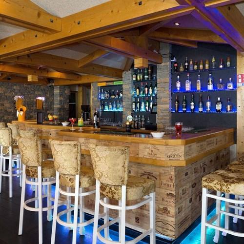 Hotel Ibiza Les Deux Alpes bar stools.jpg
