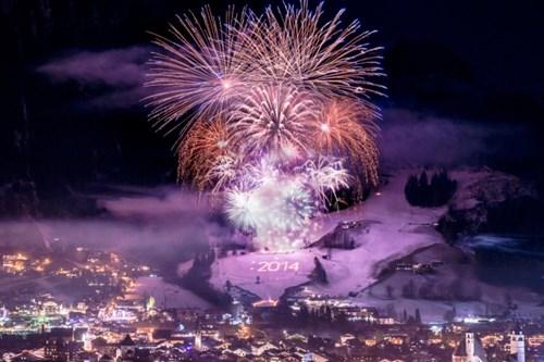 neujahrs-feuerwerk-in-kitzbuehel.jpeg