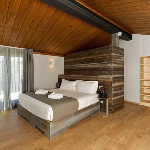 Du Parc Hotel bedroom.jpg