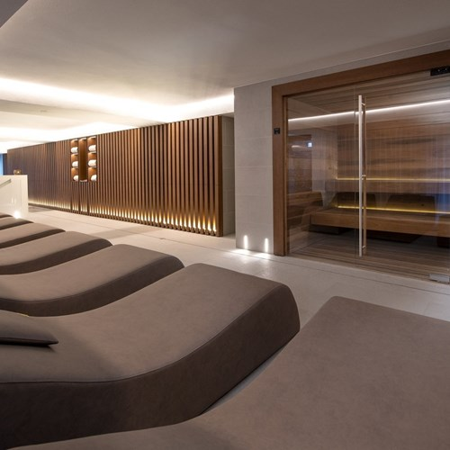 Le Massif spa relaxation room.jpg