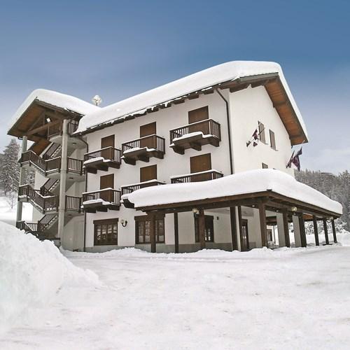 Park Hotel Gran Bosco exterior snow.jpg