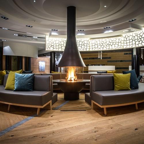 Radisson Blu - Lobby - Fireplace - Night.jpg