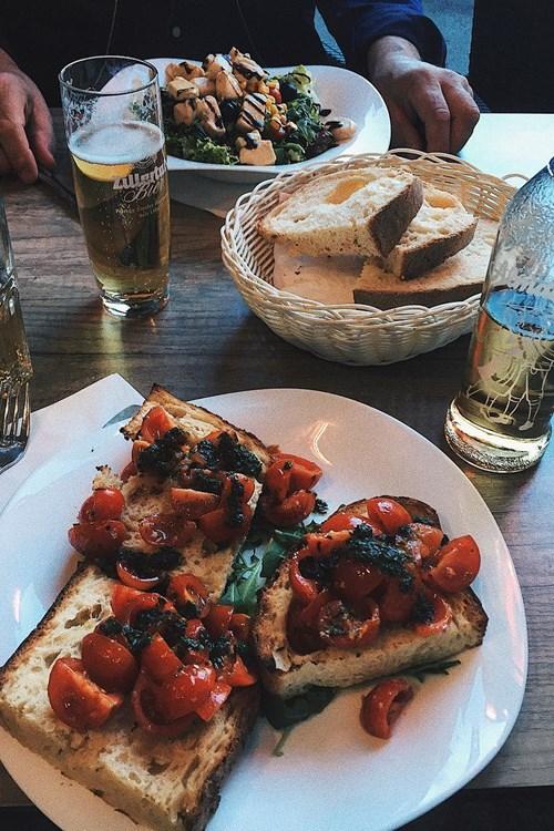 Pane e Vino da Michele Mayrhofen restaurants bruschetta