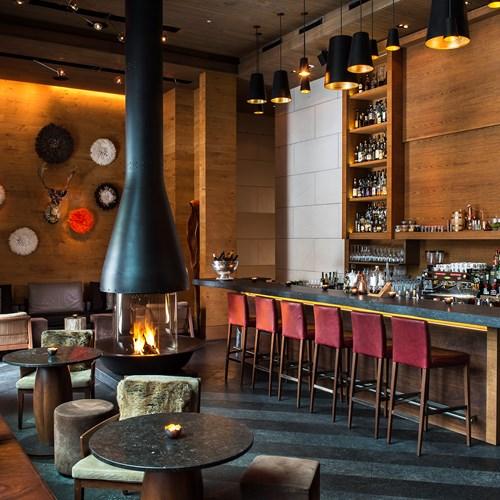 CAM-Dining-The_Bar_Living_Room-The_Bar_03.jpg