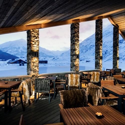 CAM-Dining-The_Club_House_Terrace.jpg