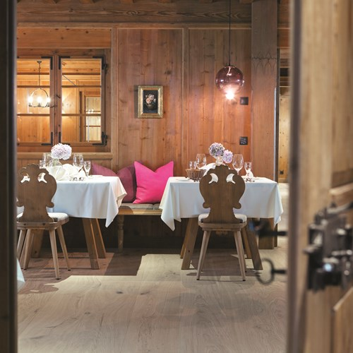 Elisabeth Hotel, luxury ski accommodation, Mayrhofen, Austria. Dining room