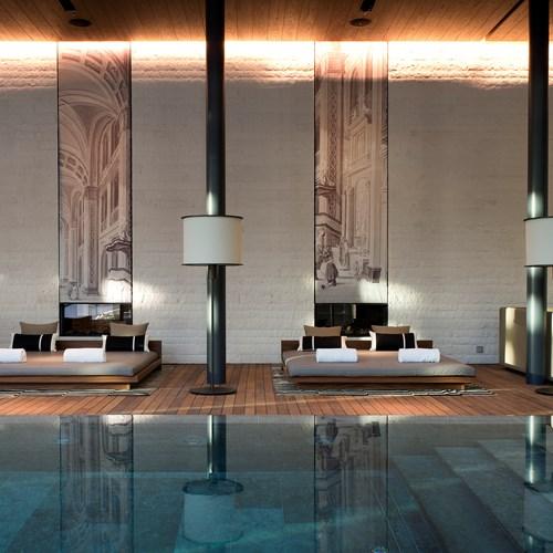 CAM-Pool-Indoor_Pool-Lounges_01.jpg