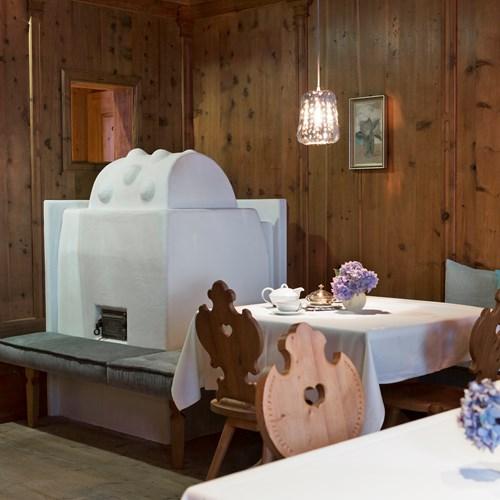 Elisabeth Hotel, luxury ski accommodation in Mayrhofen, dining room