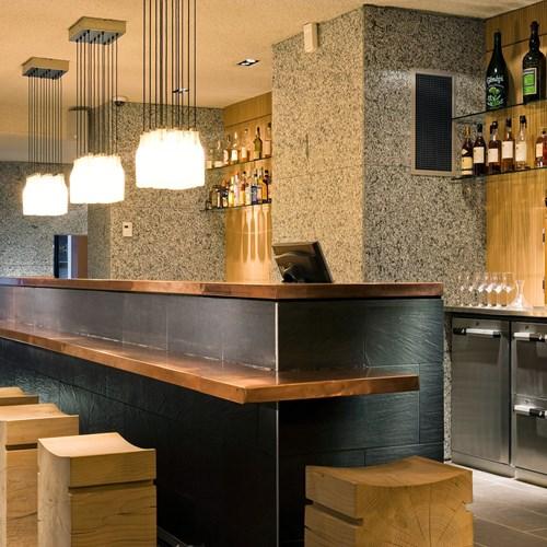 Le-Morgane-Chamonix-bar.jpg