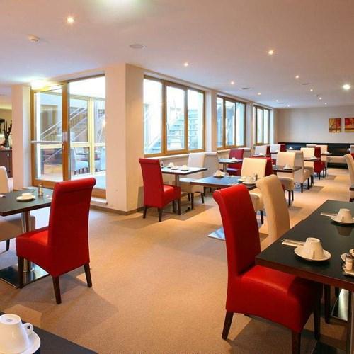 restaurant-01-mr.jpg