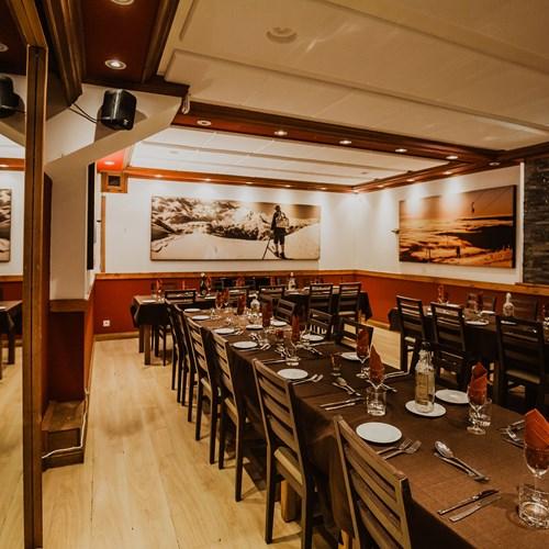 chalet-hotel-les-grangettes-dining-2.jpg