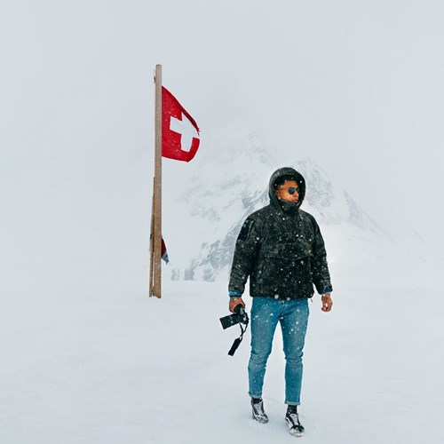 lone photographer top of jungfraujoch