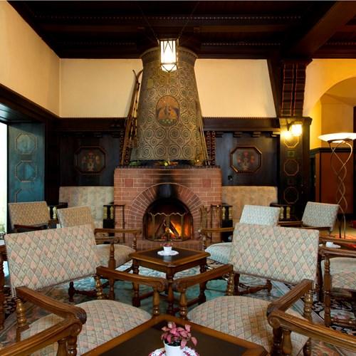 12 Open fire place in the lobby.jpg