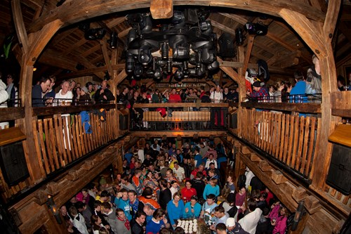 st anton apres ski people in mooserwirt