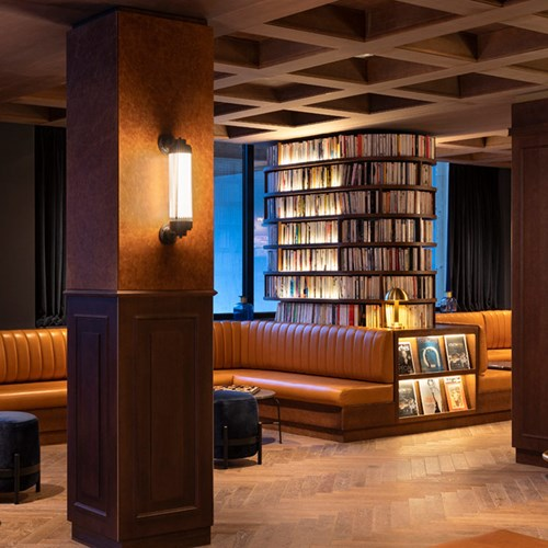 St-Alban-Hotel-Spa-Banquettes-dans-le-hall-dentrée-4-1.jpg