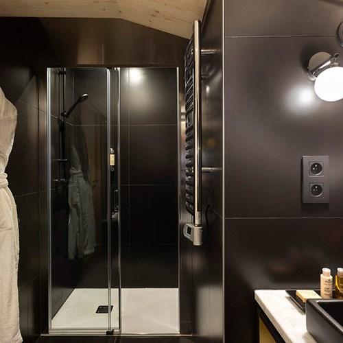 St-Alban-Hotel-Spa-Salle-de-bain-Chambre-familiale-St-Alban-1.jpg