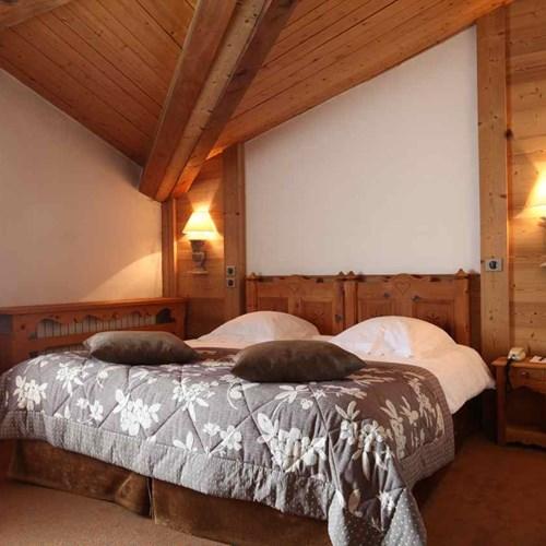 Les-Ducs-de-Savoie-Courchevel-ChArnal (2).jpg