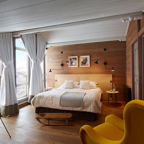ski in ski out hotel Trois Vallees in Courchevel-bedroom with mountain view
