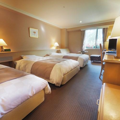 Rusutsu Resort Hotel - Japan skiing - family room