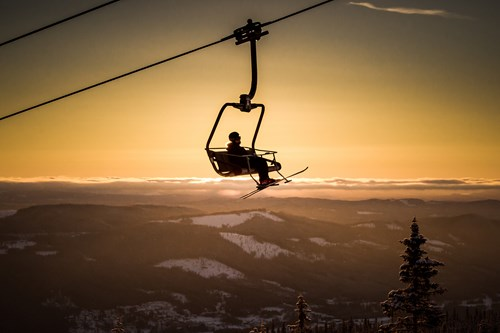 Trysil-sunset-chair-lift