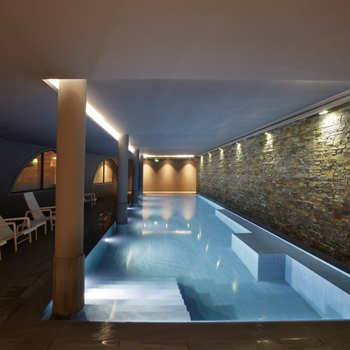 Le-Val-Thorens-Hotel-France-indoor-swimming-pool