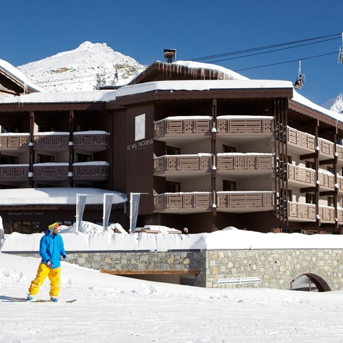 Hotel-Le-Val-Thorens-France-ski-in-ski-out-access