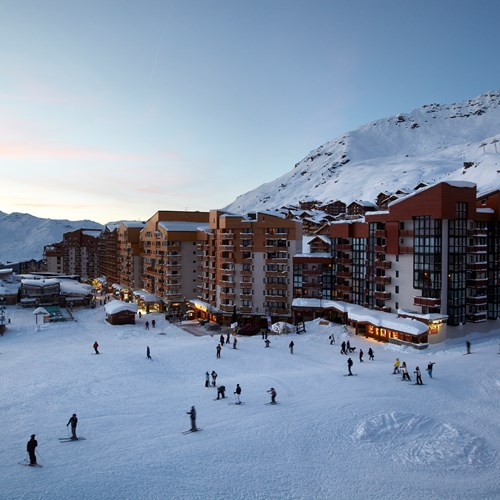 Hotel-Le-Val-Thorens-France-slopeside location