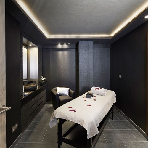 Hotel-Fitz-Roy-Val-Thorens-massage-table