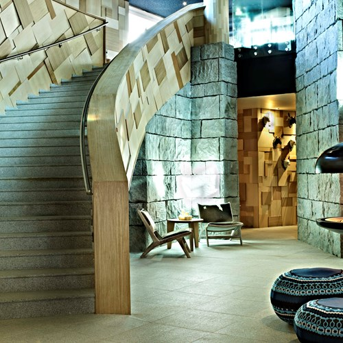 Hotel-Altapura-Val-Thorens-fire-and-staircase
