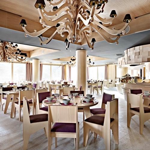 Hotel-Altapura-Val-Thorens-half-board-restaurant
