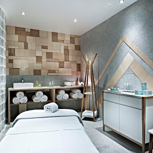 Hotel-Altapura-Val-Thorens-massage-table