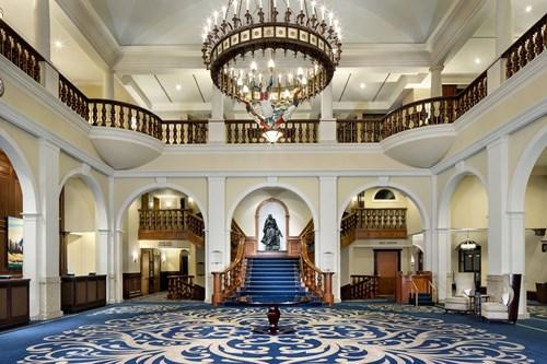 fairmont chateau lake louise entrance lobby