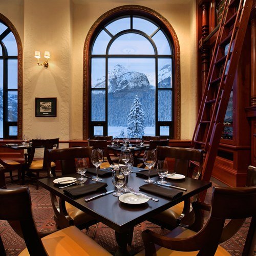 Fairmont-Chateau-Lake-Louise-Restaurant.jpg