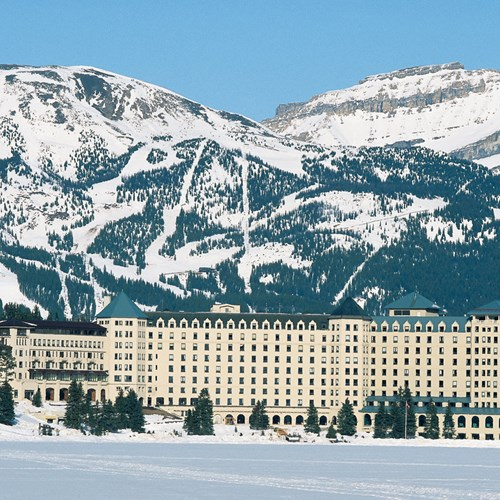 Fairmont Chateau Lake Louise Exterior