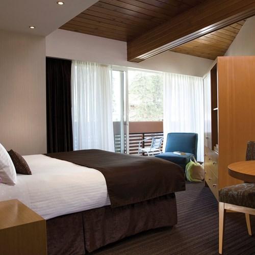 Banff Aspen Lodge, ski hotel in Banff, Canada - double superior room
