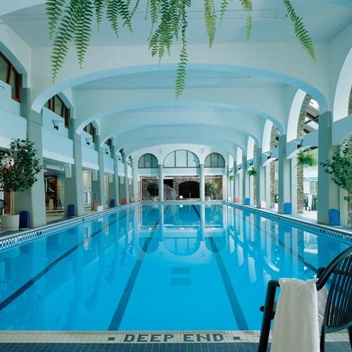Fairmont Banff Springs, ski hotel in Canada - full size indoor pool