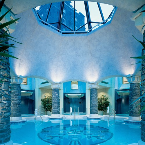 Fairmont Banff Springs, ski hotel in Canada - indoor mineral pool