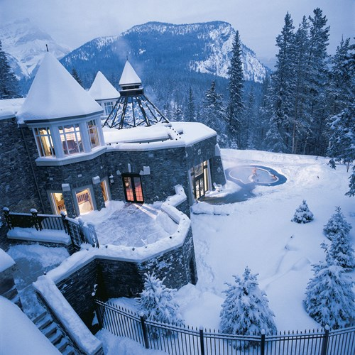 Fairmont Banff Springs, ski hotel in Canada - snowy exterior in mountains