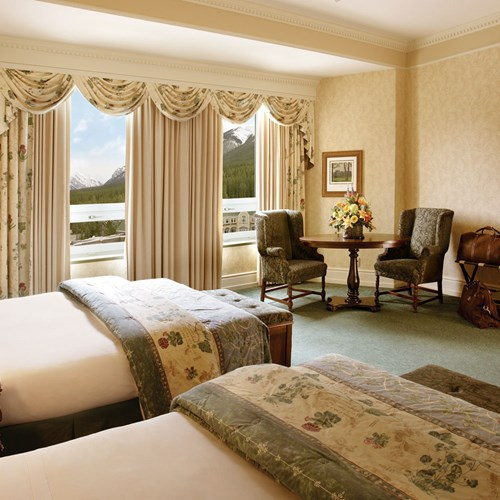 Fairmont Banff Springs, ski hotel in Canada - family room with a view