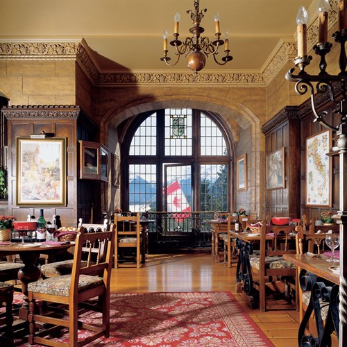 Fairmont Banff Springs, ski hotel in Canada - grand wine bar and bistro