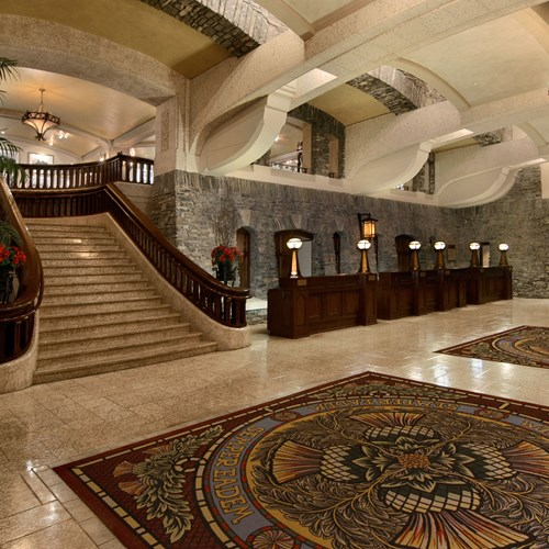 Fairmont Banff Springs, ski hotel in Canada - grand reception