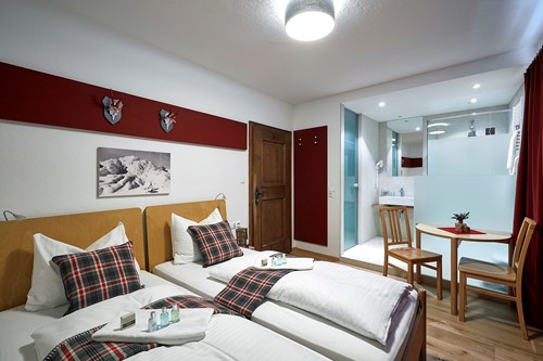 Double room Chalet Amalien Haus ski accommodation St Anton