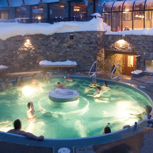 Sunshine Mountain Lodge, large outdoor hot tub, ski accommodation in Canada
